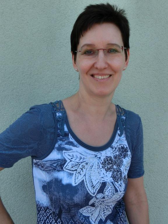 Christina Dokter, Autorin bei theaterbörse GmbH / verlag für schultheaterstücke, laientheaterstücke, darstellendes spiel und autoren