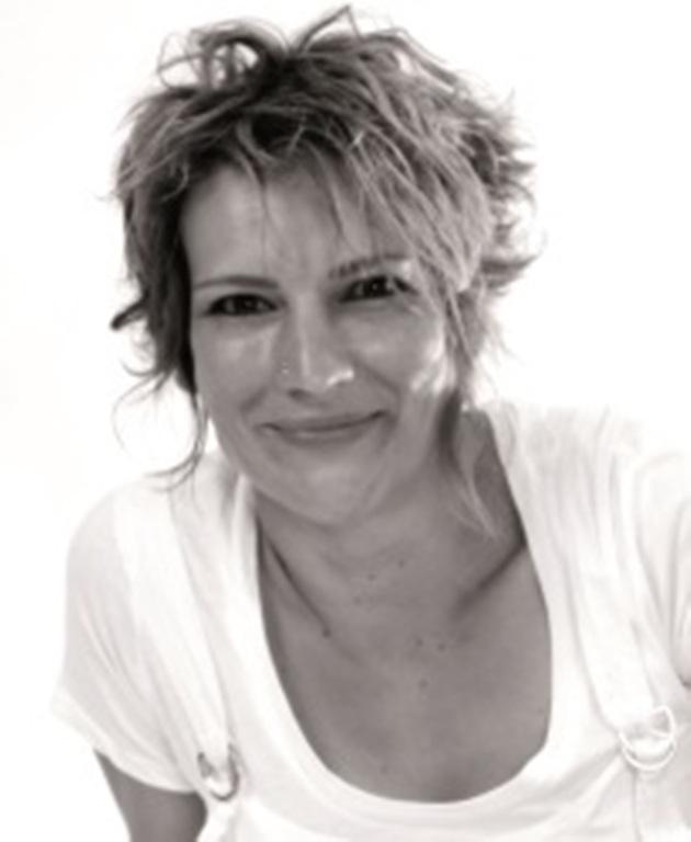 Corina Rues-Benz, Autorin bei theaterbörse GmbH / verlag für schultheaterstücke, laientheaterstücke, darstellendes spiel und autoren
