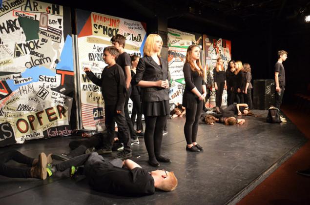 Gewitterneigung von Peter Haus - Theater AG der LFR Oberdingen